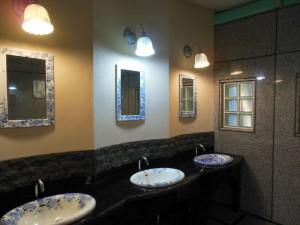 男性用トイレ手洗い場