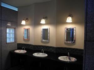 女性用トイレ手洗い場