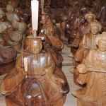 フォレスト神城文化の森市房杉記念館  市房杉千年杉で作られた工芸品 ひな人形、市松人形と人形 など その2
