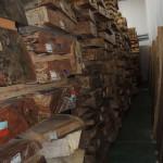 フォレスト神城文化の森ショールーム屋久杉記念館          天然乾燥材(15年以上)盤木及び建築材