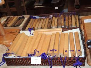 コウヤマキ(高野槙)、クロガキ(黒柿)で作った拍子木